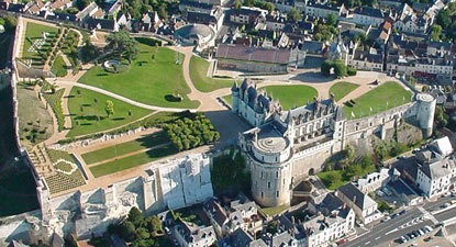 Baptême en hélicoptère - Vol au dessus de la Loire et ses Châteaux