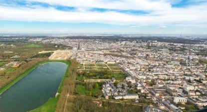 Baptême de l'air en hélicoptère : Survol de Paris et Versailles