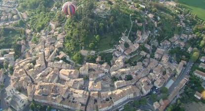 Vol en montgolfière - balade en montgolfière dans le ciel du Lubéron
