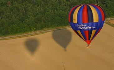 Vol en Montgolfière - tour au dessus de Vézelay dans l'Yonne