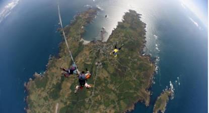 Saut en Parachute Tandem à Vannes