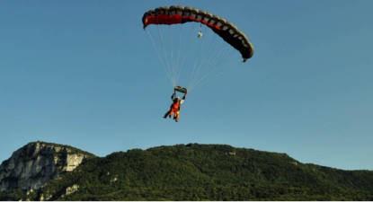 Saut en parachute Tandem près de Digoins