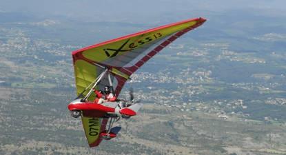 Pilotage d'un ULM près de Puy en Velay