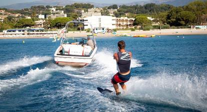 Initiation au Ski nautique à Cagnes-sur-Mer