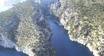 Vol en Hélicoptère au dessus des Calanques de Marseille