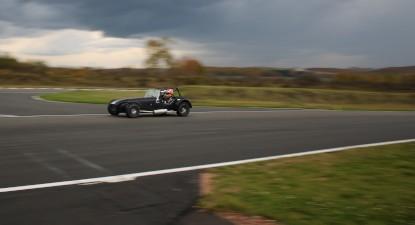 Baptême passager ou pilotage en Caterham Cup - Circuit de Mornay