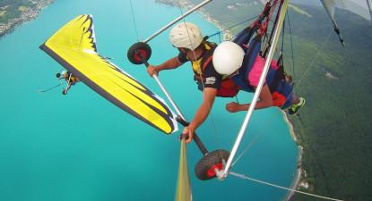 Vol en Deltaplane au dessus du Lac d'Annecy