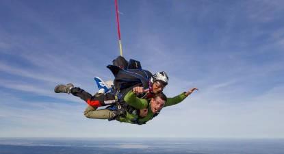 Saut en Parachute Tandem à 6 000m près de Dijon