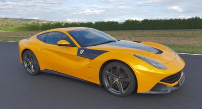Stage de Pilotage en Ferrari F12 - Circuit de Vaison