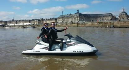 Randonnée en Jet-ski sur la Garonne à Bordeaux
