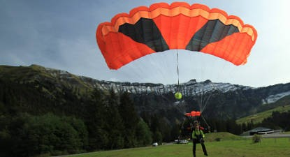 Saut en Parachute Tandem à Megève