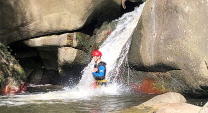 Descente filmée en canyoning près de Perpignan