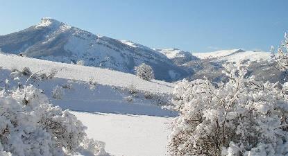 Promenade à cheval dans la neige près de Gap