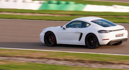 Pilotage en Porsche Cayman 718 S - Circuit de Saint-Laurent-de-Mure