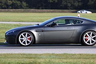 Pilotage en Aston Martin V8 Vantage - Circuit de Bresse