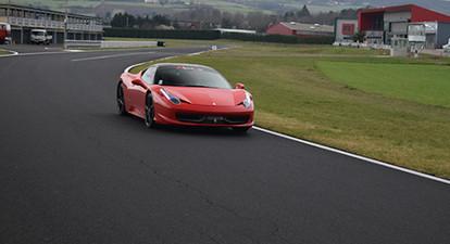 Stage de Pilotage en Ferrari 458 italia - Circuit Fay de Bretagne