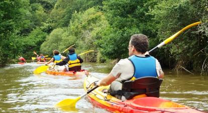 Descente en kayak de la rivière La Vilaine près de Guérande