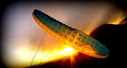 Vol Acrobatique en Parapente près de Clermont-Ferrand