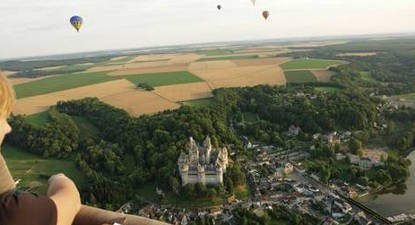 Vol montgolfière nacelle privative Château de Pierrefonds