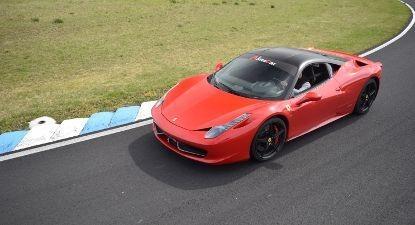Stage de Pilotage en Ferrari 458 Italia - Circuit d'Issoire