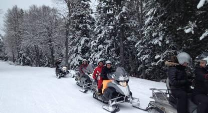 Randonnée en motoneige à Barèges dans les Pyrénées