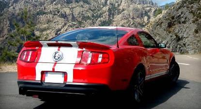 Pilotage sur Route en Mustang Shelby près de Melun