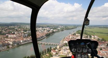 Baptême en hélicoptère - Vol privatisé en Saône-et-Loire depuis Mâcon