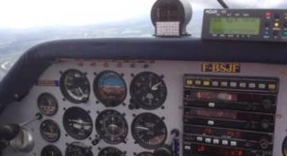 Simulateur de vol et initiation au pilotage d'avion au Mans