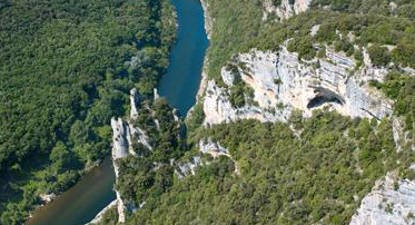Baptême en Hélicoptère à Lanas - Vol découverte des Gorges de l'Ardèche