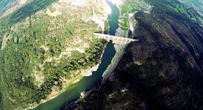 Baptême en hélicoptère - Survol panoramique du Pont du Gard