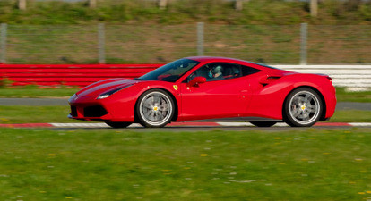 Pilotage d'une Ferrari 488 GTB - Circuit du Bourbonnais
