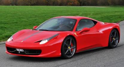 Conduite sur route en Ferrari 458 Italia près de Savenay