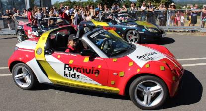 Stage de pilotage pour enfant (Porsche, BMW, MINI..) près de Paris