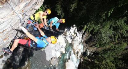 Parcours Acrobatique  spécial groupe composé de tyroliennes près de Lourdes
