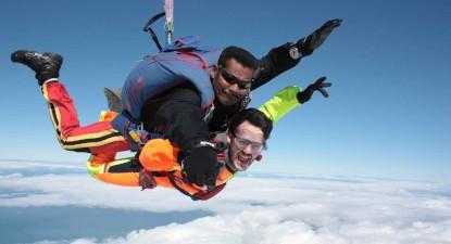 Saut en Parachute Tandem à proximité de Mâcon