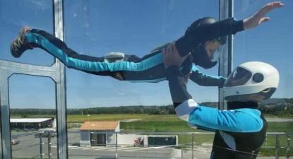 Simulateur de chute libre en soufflerie Indoor près d'Avignon