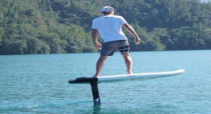 Balade en Surf électrique le long de la côte méditerranéenne depuis Fréjus