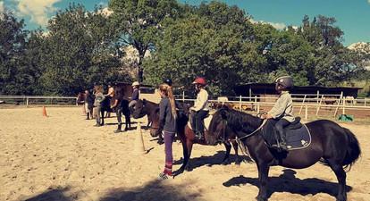 Cours d'Équitation Adultes et Enfants près de Marignane