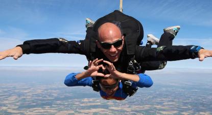 Saut en Parachute Tandem au Mans