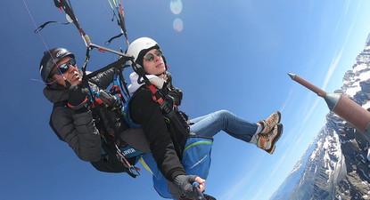 Vol en Parapente au départ de l'Aiguille du Midi à Chamonix