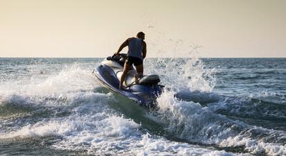 Cocktail d'activités sur la côte d'azur : Jet Ski et Paddle à Saint Laurent du Var