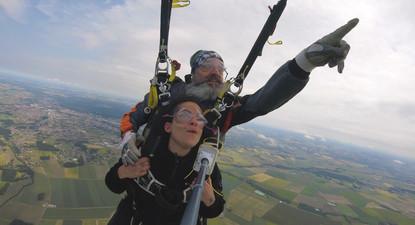 Saut en Parachute Tandem à proximité d'Orléans