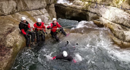 Canyoning hivernal à proximité d'Annecy et Chambery