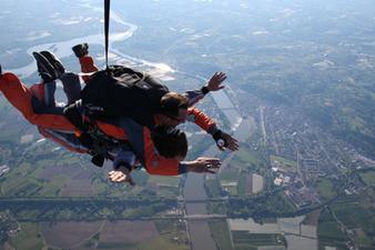 Saut en parachute près de Montauban et Cahors