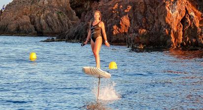 Initiation au surf électrique (eFoil) près de Cannes