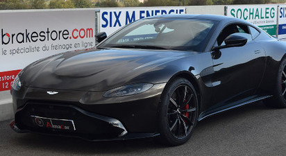 Stage de Pilotage en Aston Martin - Circuit de Lohéac
