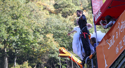 Saut à l'élastique en tandem à Luz Saint-Sauveur - Pont Napoléon dans les Hautes Pyrénées