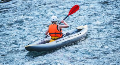 Descente sportive de rivière en Canoë près d'Aix Les Bains