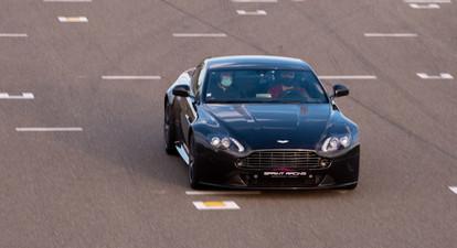 Pilotage d'une Aston Martin V8 Vantage - Circuit de Trappes