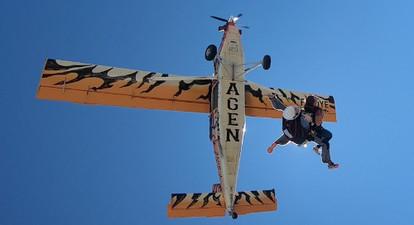 Saut en parachute filmé dans le Lot et Garonne